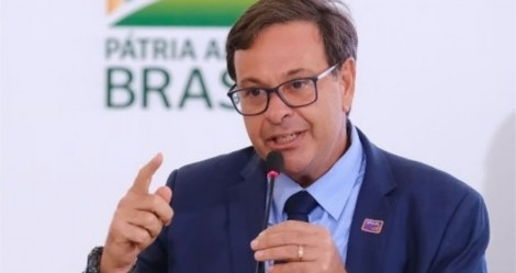 """Ministro destrói a """"mídia podre"""": Quando você vê uma imprensa virar fiscal de álcool gel, a corrupção acabou, povo! (veja o vídeo)"""