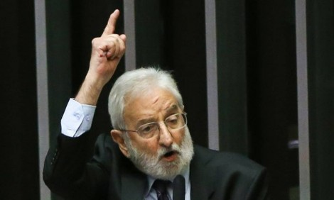 "Ivan Valente ""afronta"" o Exército e quer acesso ao processo contra General Pazuello"