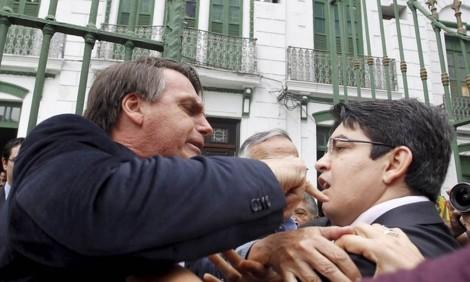 A absurda perseguição de Randolfe a Bolsonaro vem de longa data...