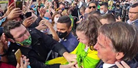 "Para o ""delírio"" de Doria, Bolsonaro vai a Sorocaba e é ovacionado pelo povo (veja o vídeo)"