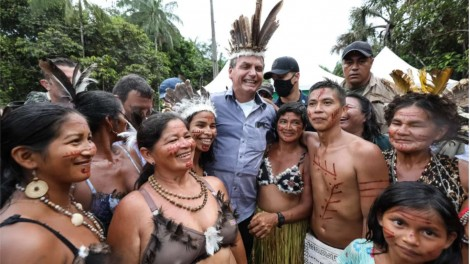 Governo Bolsonaro liberta os índios economicamente, afirma deputado
