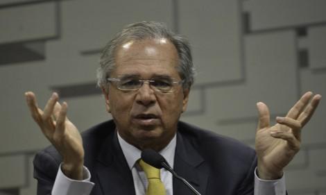"""Guedes destrói narrativa de quem torce contra o país: """"O Brasil já se levantou"""""""