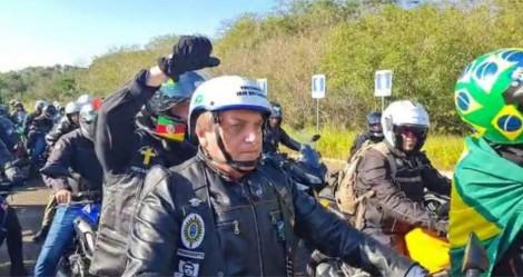 Em concentração da motociata de Porto Alegre, a pesquisa Datapovo mostra a verdade (veja o vídeo)