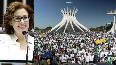 """""""A gente precisa ter o poder de defender nossas famílias"""", ressalta Zambelli no evento do Movimento Pró-Armas (veja o vídeo)"""