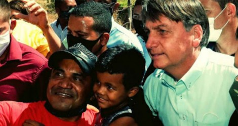 Auxílio Brasil: Bolsonaro garante comida no prato do brasileiro (veja o vídeo)
