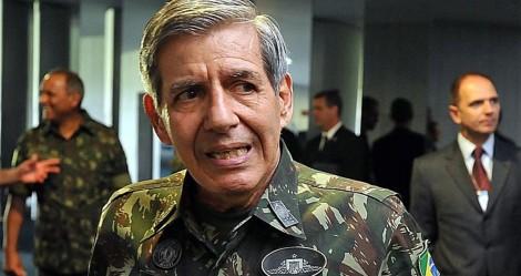 General Heleno dá forte recado e diz que se artigo 142 está na Constituição, é sinal de que pode ser usado (veja o vídeo)