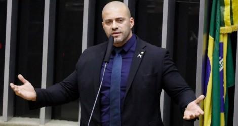 """URGENTE – Moraes alega """"risco de fuga"""" e nega habeas corpus a Daniel Silveira"""