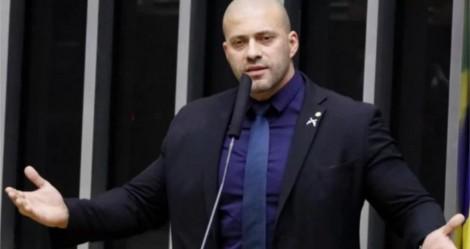 """Deputado denuncia """"flagrante ilegalidade"""" da manutenção de prisão de Daniel Silveira (veja o vídeo)"""