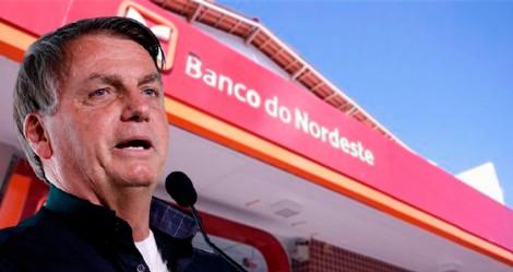 Bolsonaro descobre contrato milionário de banco com ONG e presidente da instituição é demitido (veja o vídeo)