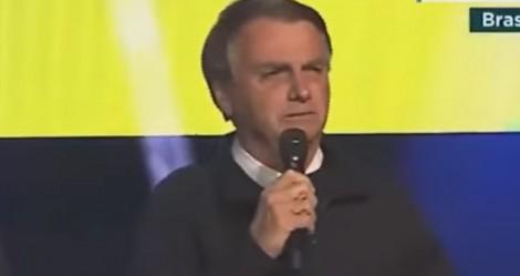 """Como nunca fez antes, Bolsonaro faz forte desabafo e confessa """"choro"""" escondido de Michele (veja o vídeo)"""