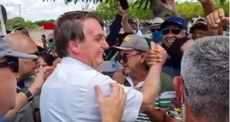 Recebido por multidão, Bolsonaro volta ao Nordeste e lança edital de obra que beneficiará 4,7 milhões de pessoas (veja o video)