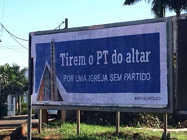 Outdoor católico em Londrina instalado no dia 30/09/2019