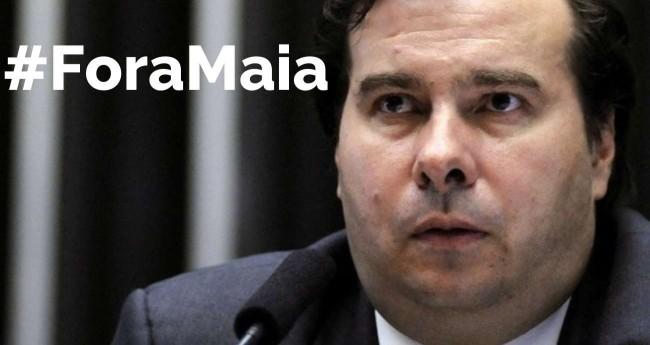 Fotomontagem: #ForaMaia