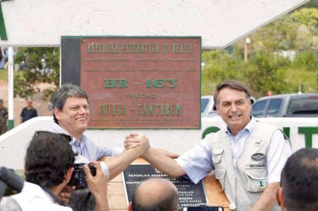 Ministro Tarcísio Gomes de Freitas e presidente Jair Bolsonaro