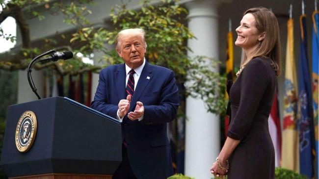 Donald Trump e Amy Coney Barrett