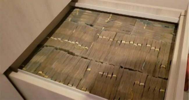 Armário com cerca de R$ 8 milhões foi encontrado na residência de um dos alvos, em Santana de Parnaíba
