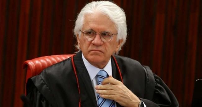 Ministro do STJ, Napoleão Nunes Maia