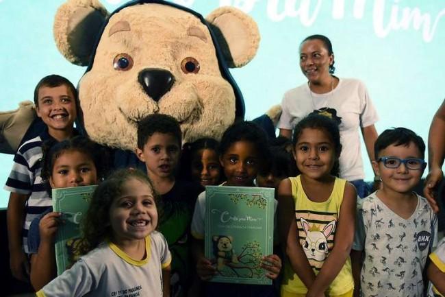 As crianças adoraram as histórias e o mascote Tito