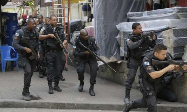 Policiais em ação no Rio de Janeiro - Divulgação