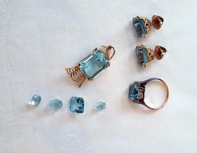 Joias encontradas na casa de uma auditora no Leblon — Foto: Reprodução