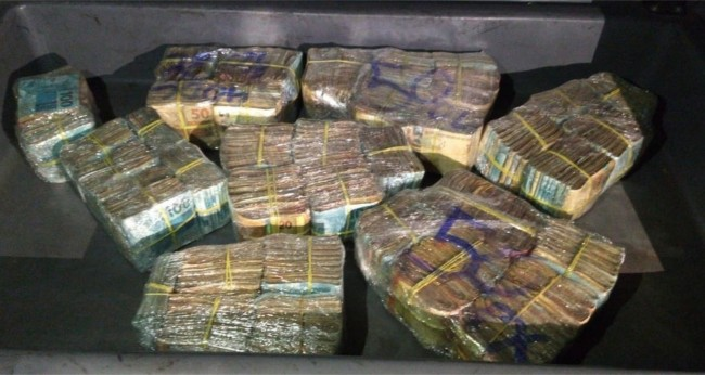 Dinheiro apreendido pela PM em BH — Foto: Polícia Militar/Divulgação