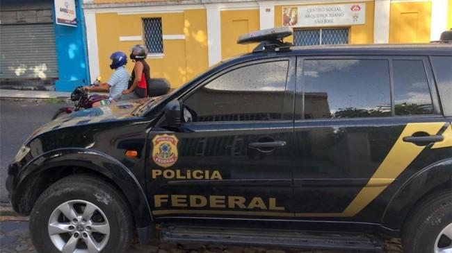 Operação da Polícia Federal busca desarticular organização criminosa — Foto: Felícia Arbex/TV Cabo Branco
