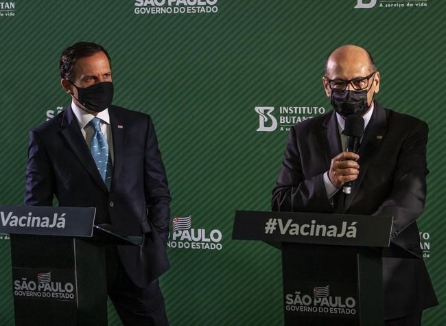 João Dória, à esquerda e Dimas Covas, à direita