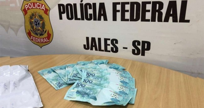 Notas falsas foram apreendidas pela Polícia Federal de Jales — Foto: Divulgação/Polícia Federal de Jales