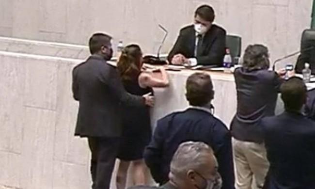 Fernando Cury assediando Isa Penna