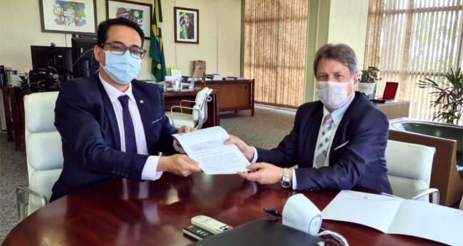 Ministro da Justiça substituto Tercio Tokano e Bibo Nunes