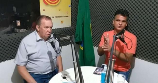 À direita o prefeito petista Luiz Antônio da Silva