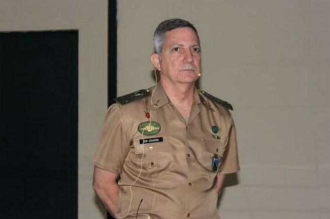 General Eduardo José Barbosa. Presidente do Clube Militar