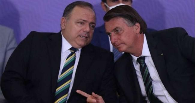 General Eduardo Pazuello e Jair Bolsonaro