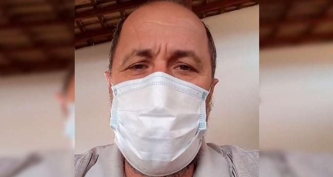 Prefeito de Guarani DOeste (SP), Nilson Timporin (PTB), anunciando desligamento de luzes — Foto: Reprodução/Redes sociais
