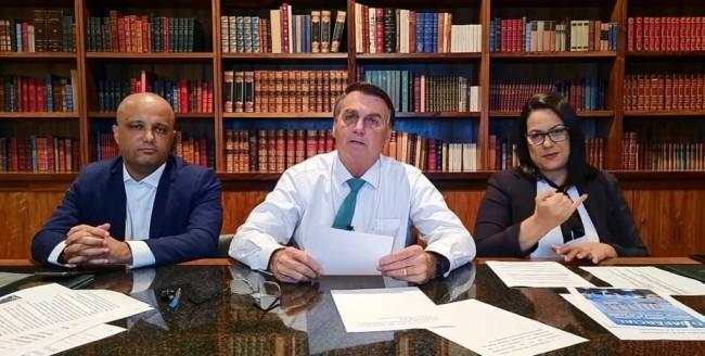 Jair Bolsonaro em sua tradicional live - Foto: Reprodução