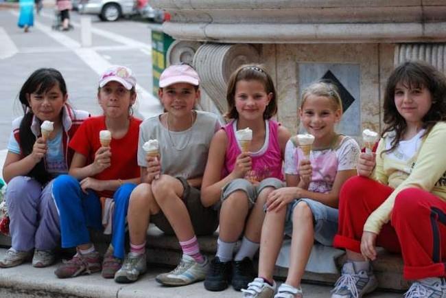 Crianças húngaras em Budapeste - Reprodução internet