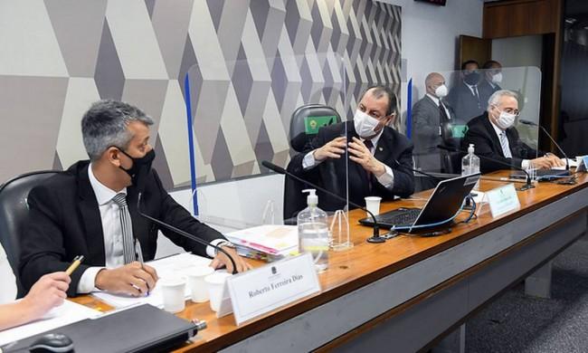 Omar Aziz e Roberto Dias Foto: Marcos Oliveira/Agência Senado