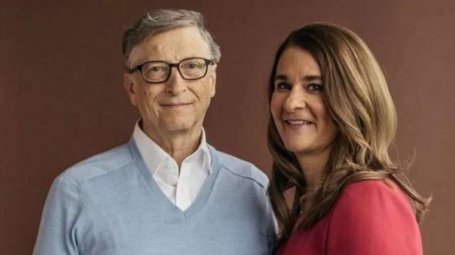 Melinda e Bill Gates, sempre preocupados com a humanidade... - Reprodução internet