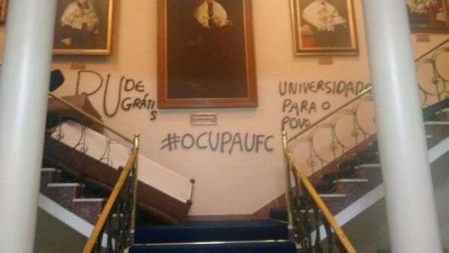 Estudantes ocuparam e vandalizaram Universidade Federal do Ceará em 2015 - Reprodução internet