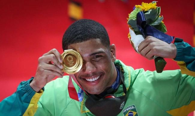Hebert Conceição conquistou a medalha de ouro na categoria até 75kg do boxe - Reprodução internet